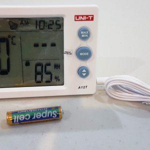 Cuenta con medición secundaria de temperatura