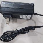 fuente de 12V DC y 2 amperes