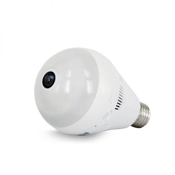 Tiene LED's que iluminan como un foco normal y controlas desde el celular